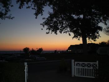 Unsere Einfahrt mit Abendhimmel
