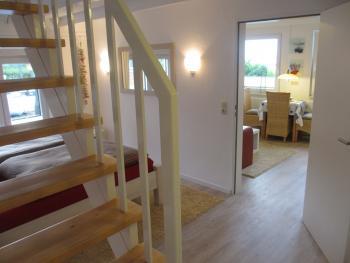 Blick vom Schlafzimmer in die Wohnküche